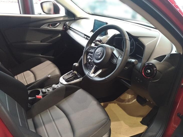 CX-3運転席