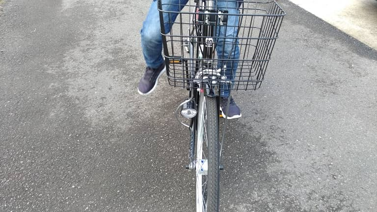 前からの自転車画像(子ども)