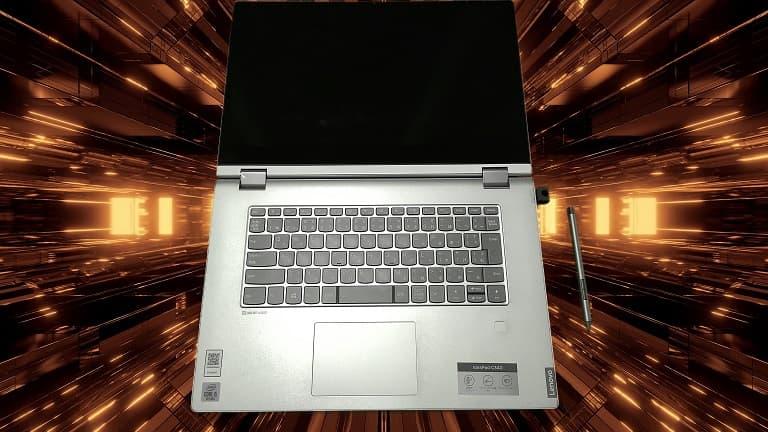 IdeaPad C340と背景合成