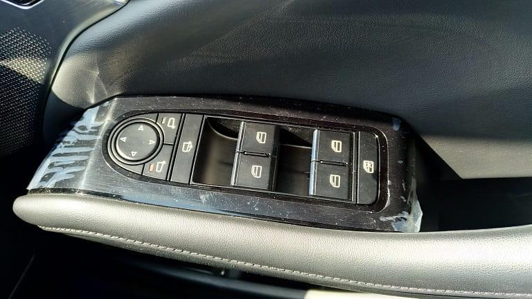 運転席側ドア回り