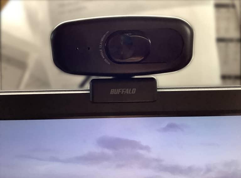 パソコンの上に取り付け
