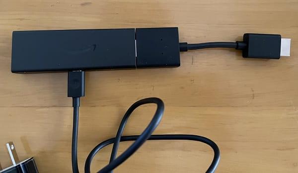 HDMI延長ケーブルを付けてみた